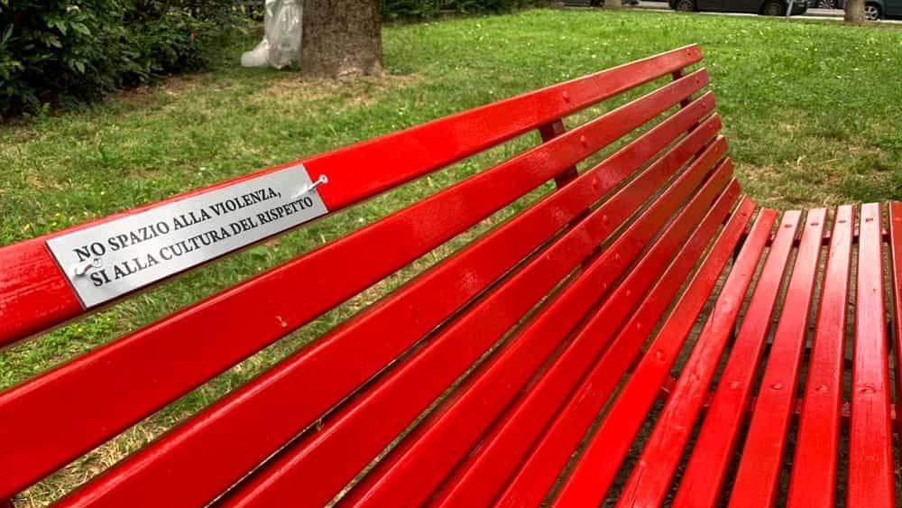 San Leo Inaugura La Panchina Rossa Per Dire No Alla Violenza