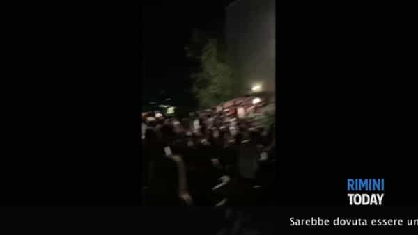 La tragedia di Corinaldo: morti 5 ragazzi di 15 e 16 anni   IL VIDEO