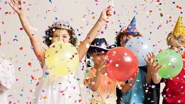 Sfilata di carri, musica e giochi: Novafeltria festeggia la 62esima edizione del Carnevale