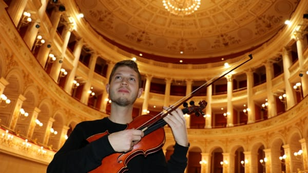 """Federico Mecozzi fa il bis al Galli con il concerto """"Awakening"""", un risveglio in musica"""