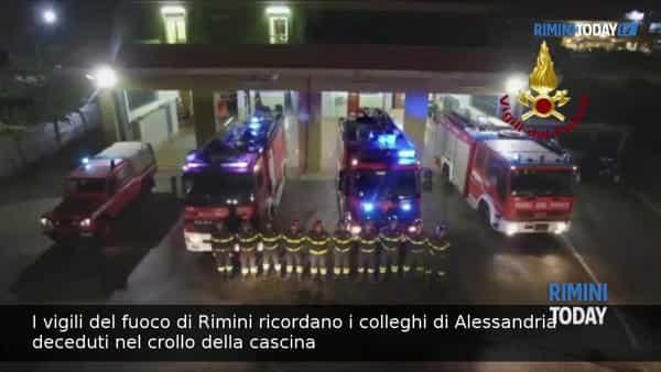 VIDEO | I vigili del fuoco di Rimini ricordano i colleghi deceduti nel crollo di Alessandria