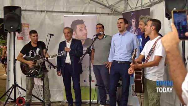 I sindaci della Romagna uniti per cantare il loro inno | IL VIDEO