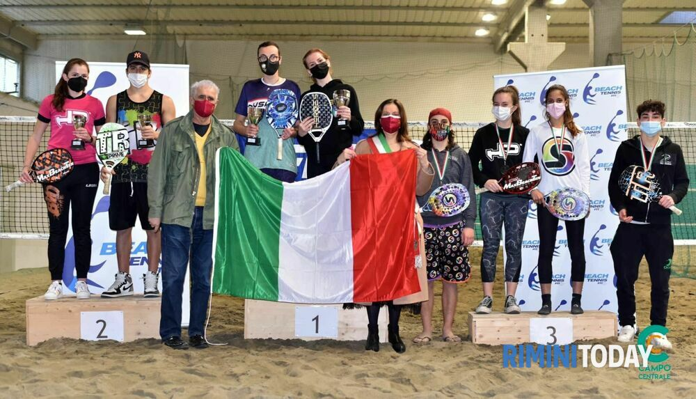 Pura Vida di Riccione, quattro volte sul podio nei campionati italiani giovanili di beach tennis