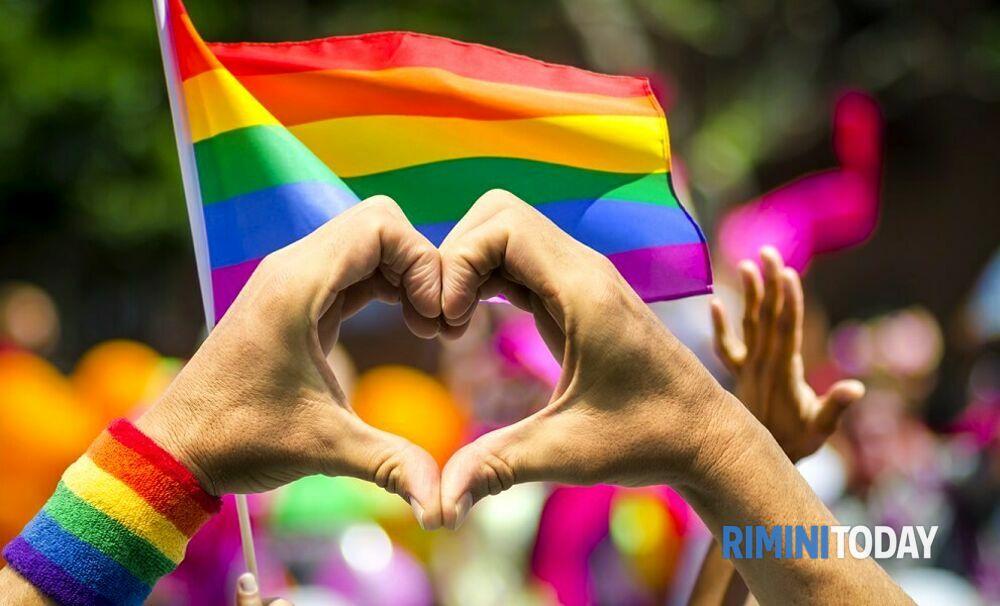 Giornata internazionale contro l'omofobia, coro di voci per combattere i pregiudizi