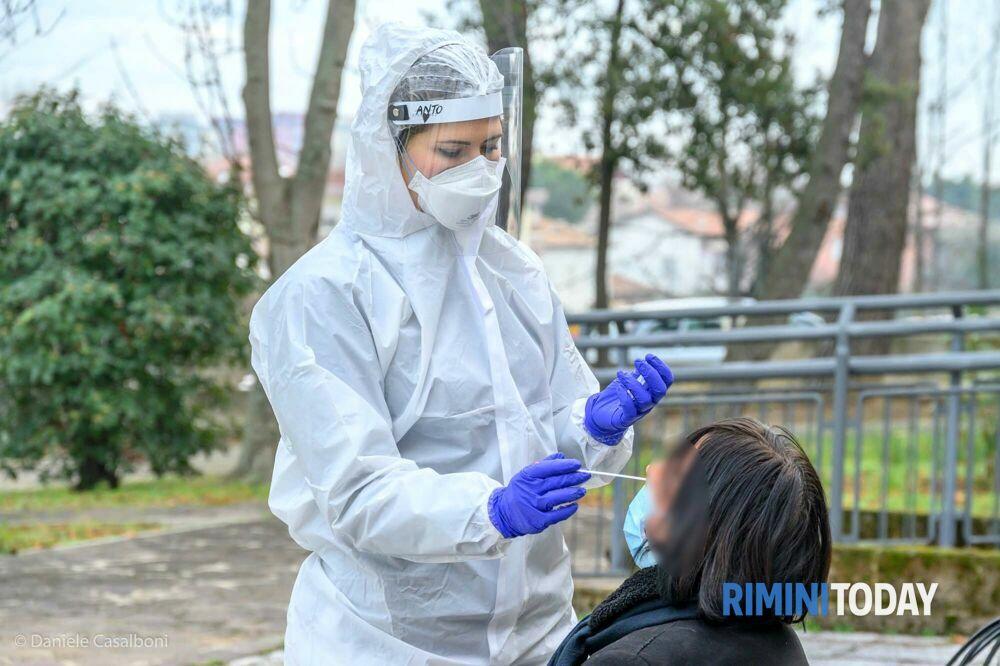 """Coronavirus, il bollettino: i nuovi positivi sono 35 ma """"escono dal tunnel"""" in 116"""