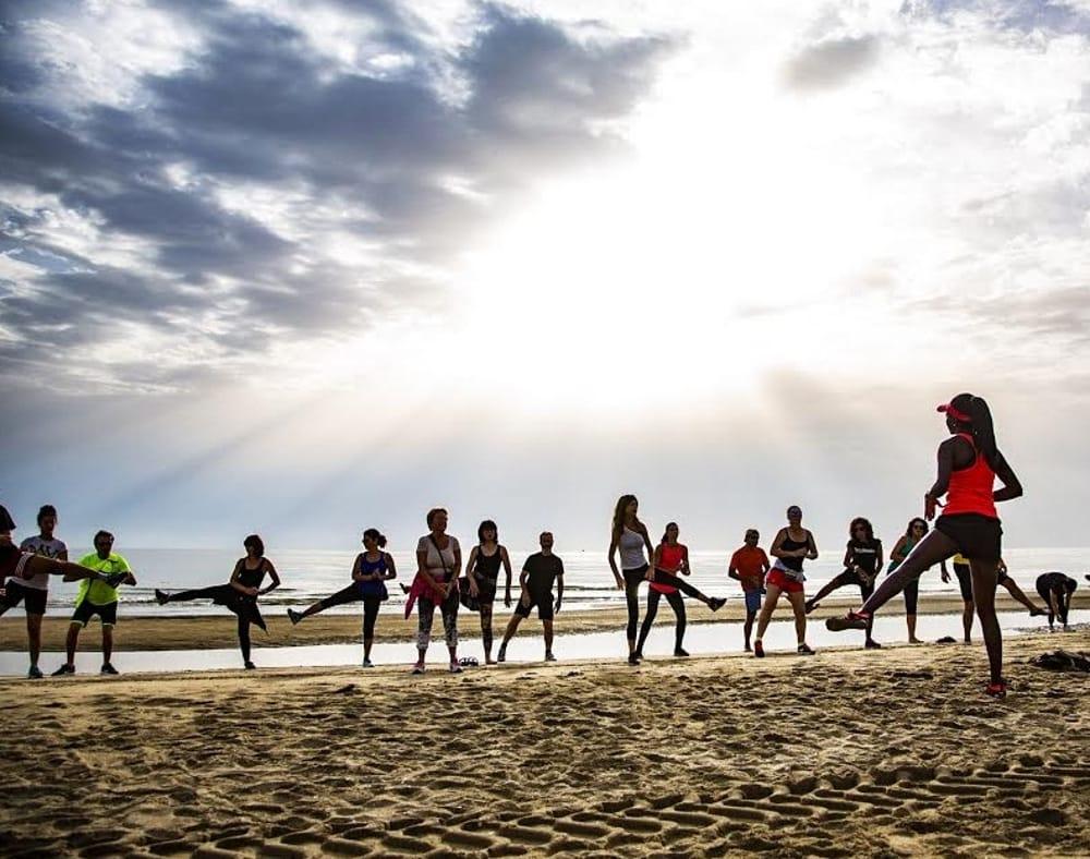 Un Fine Settimana A Tutto Benessere Tra Camminate In Spiaggia Zumba E Pilates Eventi A Rimini
