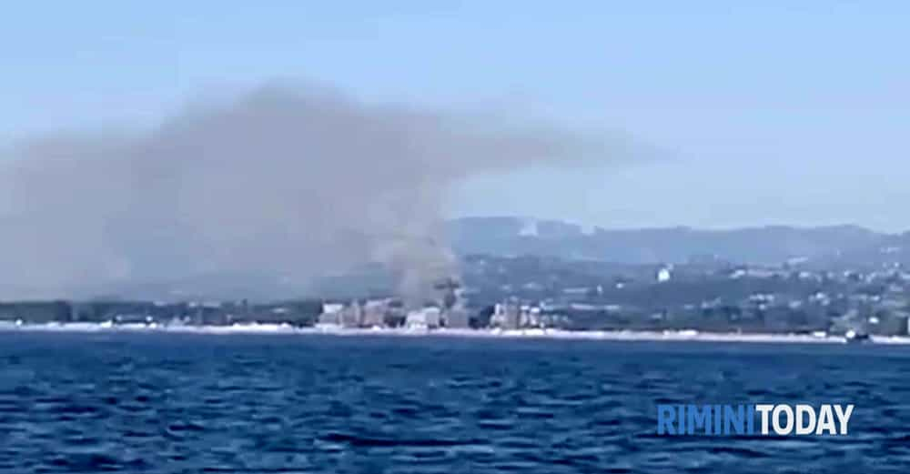 incendio albergo misano adriatico copia-2