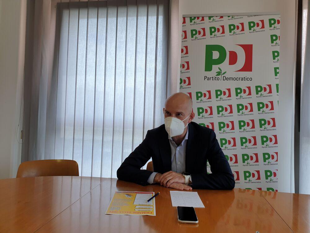 Elezioni a Rimini, sospesa l'assemblea del Pd: si cerca ancora la mediazione per evitare le primarie