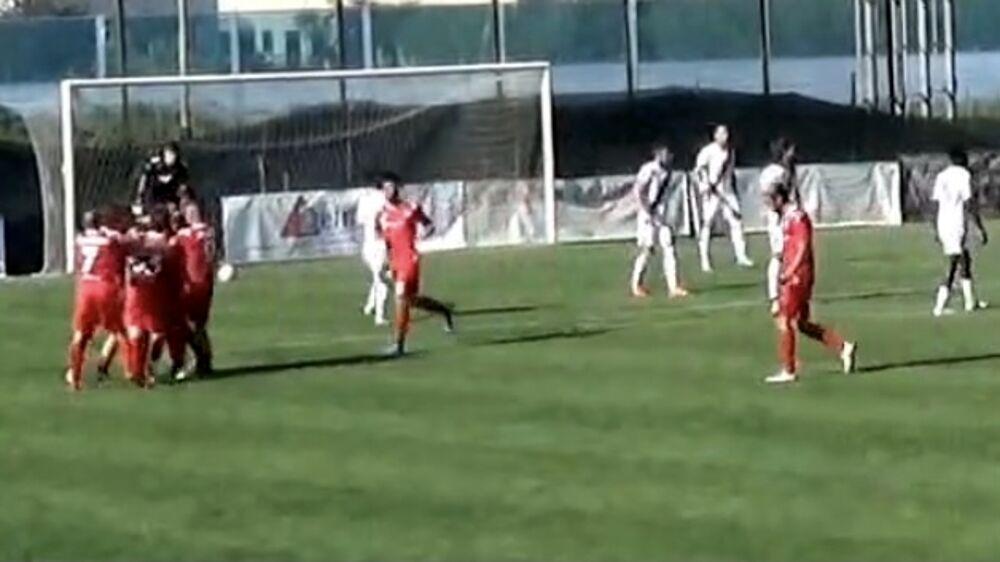 Rimini, finalmente: sotto di un uomo e un gol, i biancorossi riescono comunque a espugnare San Mauro