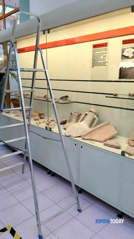 L'antica anfora romana ripescata in mare esposta al Museo del Territorio di Riccione