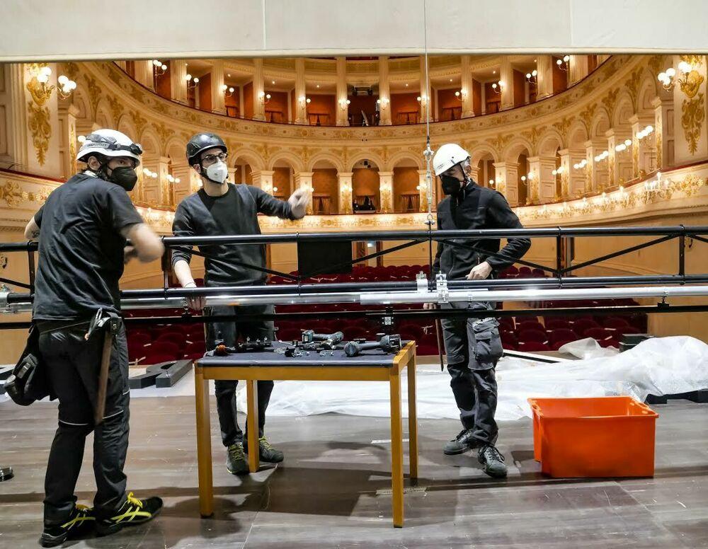 Il teatro Galli torna a vivere con l'allestimento delle prove per l'Aroldo