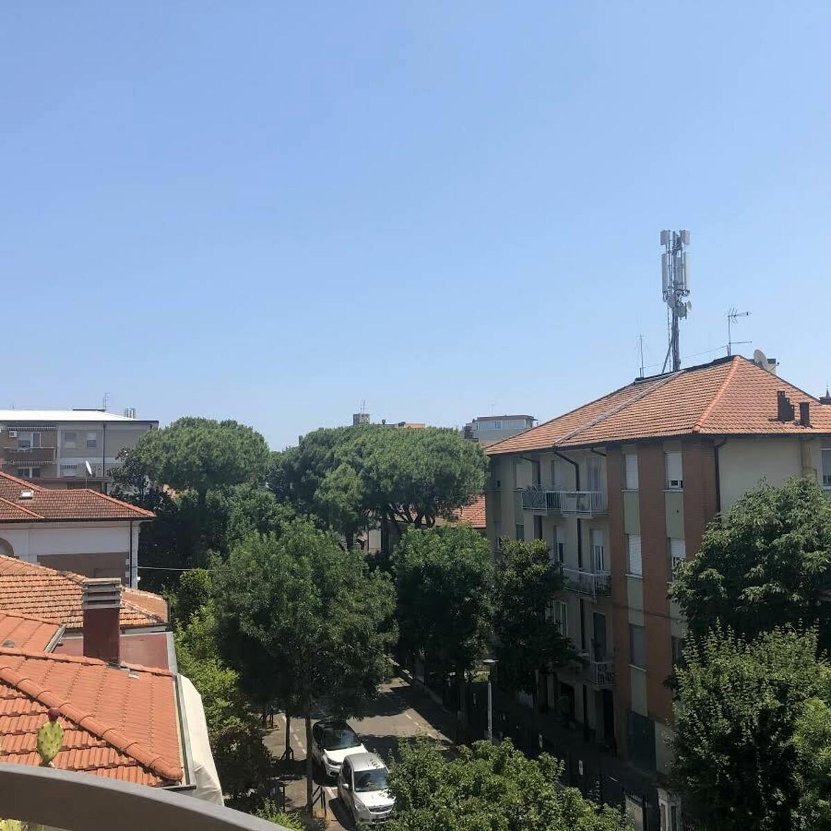 """Antenna di via Ceccarelli, Renzi (FdI): """"E' compatibile con la salute?"""""""