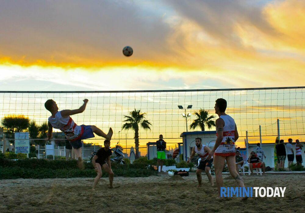 Torna sulla spiaggia di Rimini ilCampionato di Footvolley