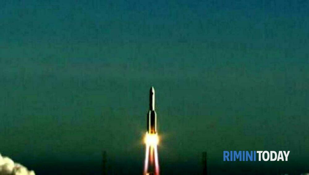 Resti del razzo cinese in caduta verso la terra, tra i possibili obiettivi l'Italia centrale