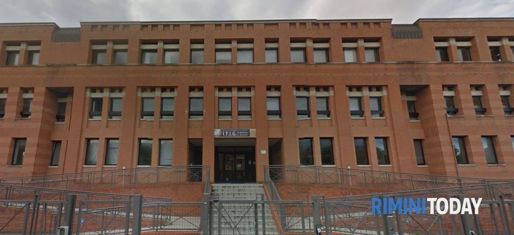 La IV A del Belluzzi-Da Vinci vince il premio migliore impresa Junior Achievement Emilia-Romagna
