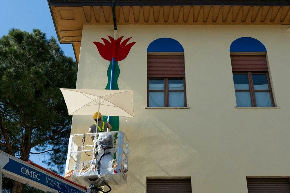L'arte irrompe sulla facciata interna della scuola Pascucci con l'artista Agostino Iacurci