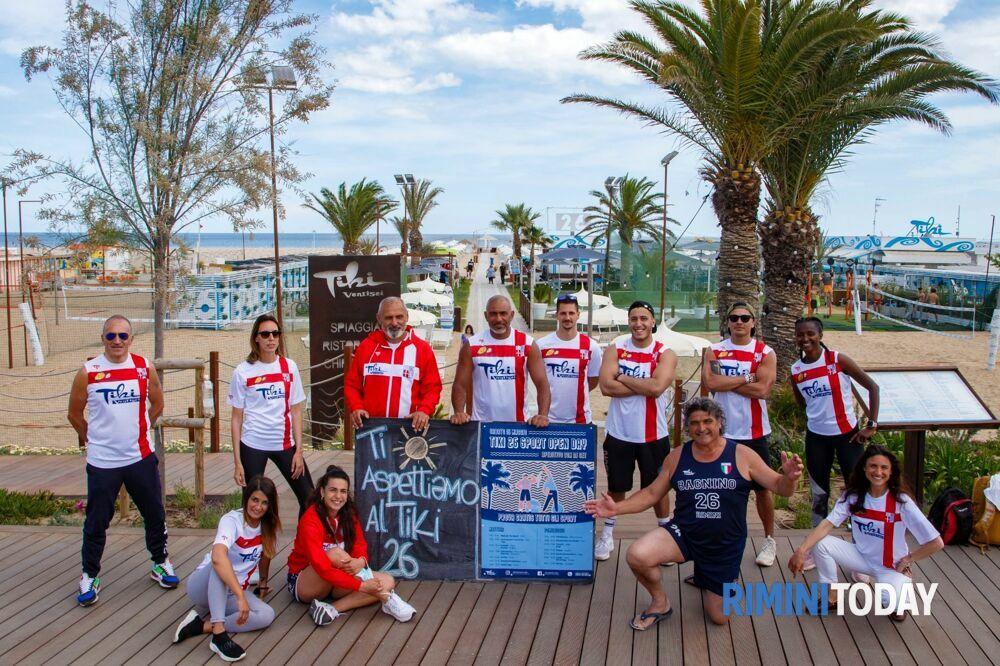 Il team del Bagno Tiky 26 di Rimini apre ufficialmente l'estate 2021
