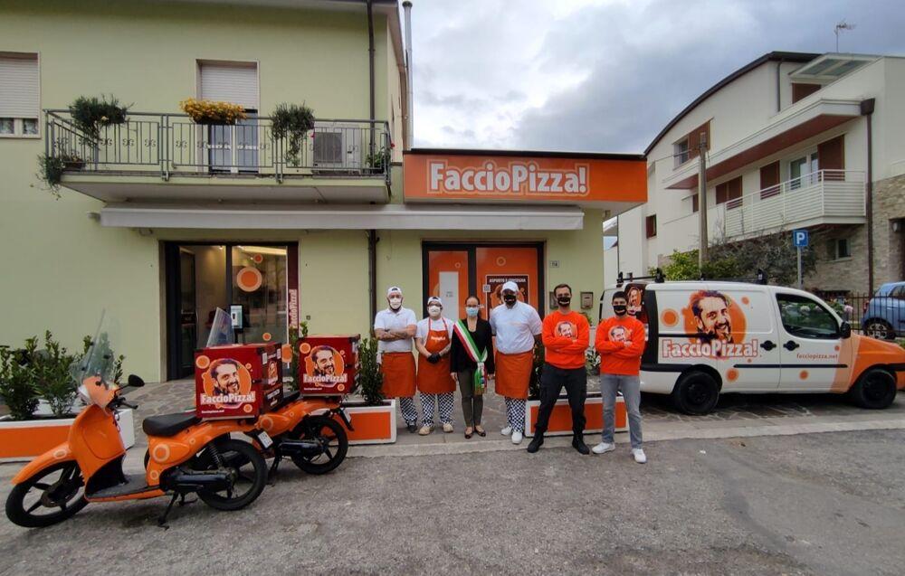 Verucchio, inaugurata dal sindaco una nuova pizzeria d'asporto