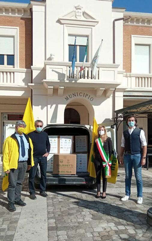 Pasqua solidale, consegnati 800 chili di cibo: sostegno alle famiglie in difficoltà