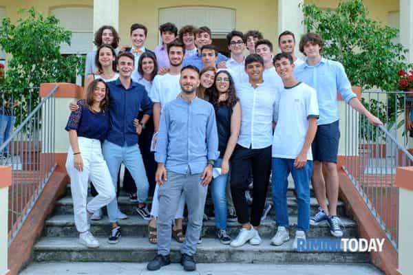 Karis - maturità liceo scientifico - studenti 100 e lode-2