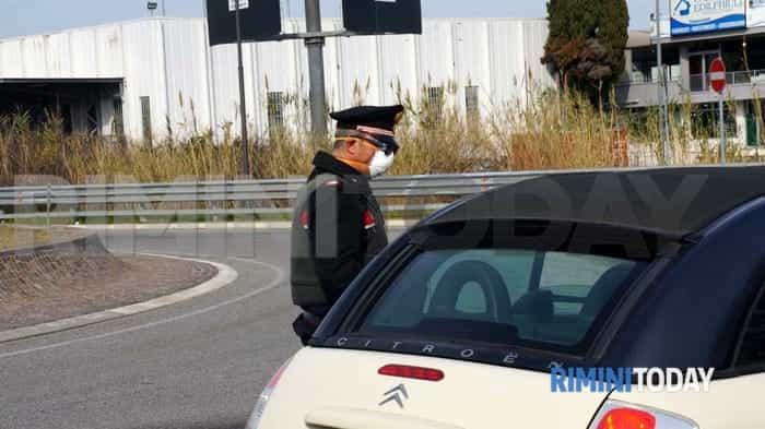 coronavirus carabinieri controlli stradali posto di blocco contenimento contagio virus foto riccione municipale - 107